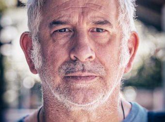Αλλάζει ζωή ο Πέτρος Φιλιππίδης: Πουλάει το σπίτι του και μετακομίζει από την Αθήνα – Οι νέες πληροφορίες