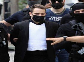 Αποκλειστικό: Το μυστικό κρύβεται στο… αλεξίσφαιρο γιλέκο! Γιατί φορούσε ο πιλότος στα δικαστήρια; Σπανίως ΟΠΚΕ συνοδεύει ένα… δολοφόνο!