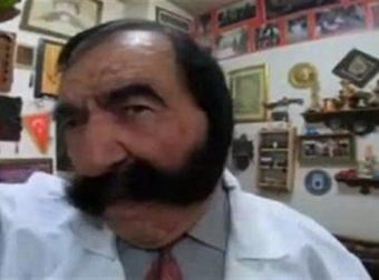 Τουρκία: 75χρονος τραγουδιστής έχει 60 χρόνια να ξυρίσει το μουστάκι του