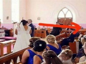 Ηταν έτοιμοι να παντρευτούν όμως μια φωνή διέκοψε τον γάμο – Όταν η νύφη είδε ποιος ήταν της κόπηκαν τα γόνατα (Video)